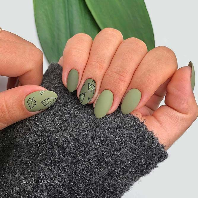 Autumn Nails With Leaves Beautiful Autumn Nails Beautiful Bright Nails Dark Green Nails Leaves Nails Long Green Nail Designs Green Nails Dark Green Nails