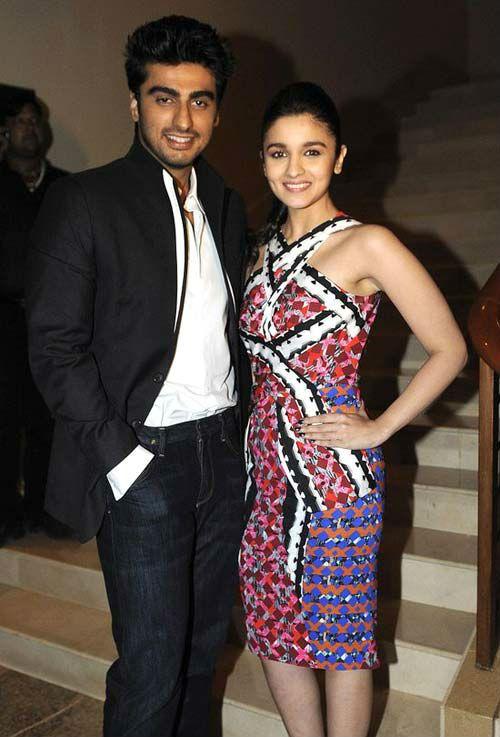 Arjun Kapoor and Alia Bhatt caught on their secret movie-date
