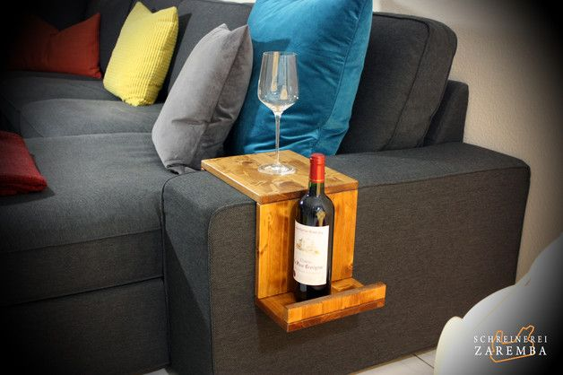 """**_Eine stilvolle Armlehnen Ablage aus dem Naturwerkstoff Holz, passend für IKEA KIVIK._**  Die """"Armlehnen Ablage 2.0"""" ist eine Weiterentwicklung unserer ersten Ablage. Die Idee dazu ist durch..."""