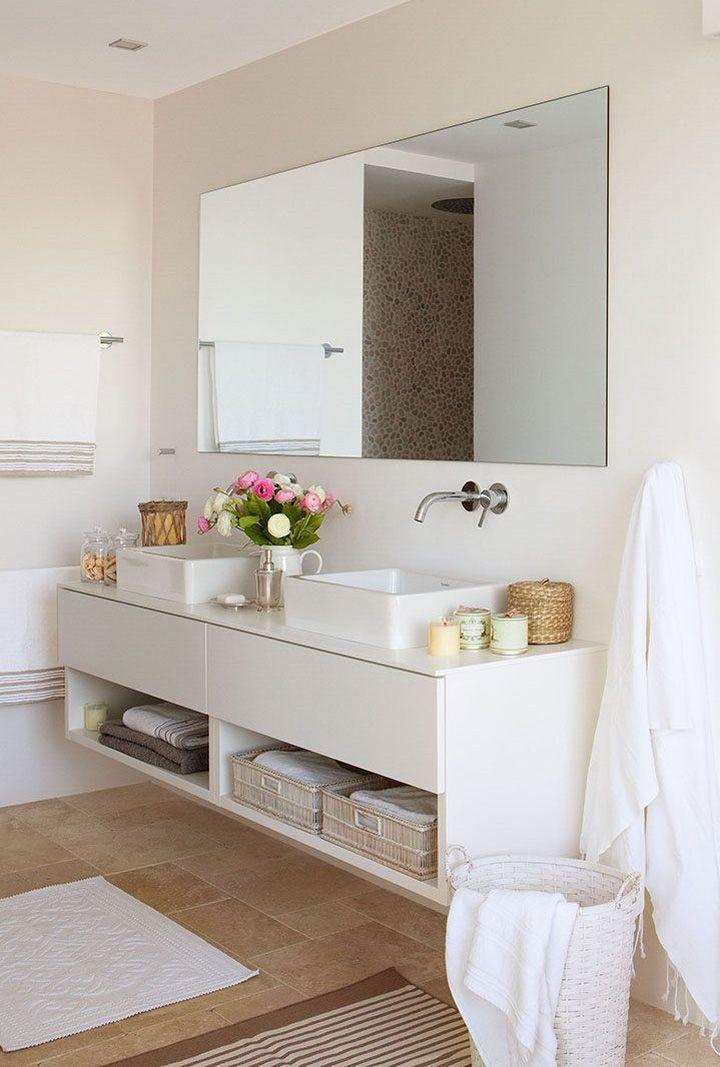 Decoração de: Banheiro; cestos como gavetas. Casa de Valentina