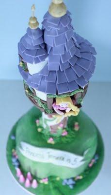 Are you kidding me?! Tangled cake. Wow.