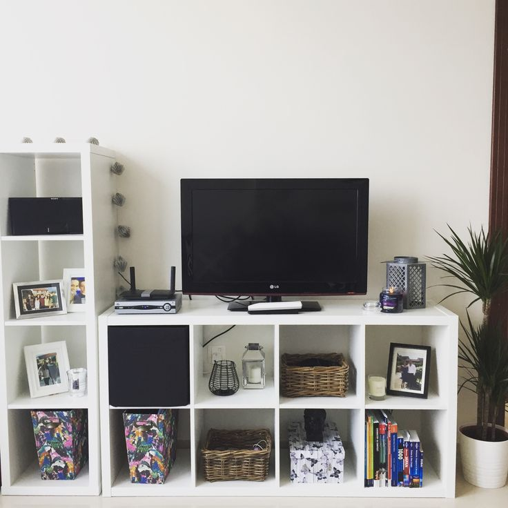 Ikea kallax tv unit m veis pinterest estou bem for Sala de estar ikea