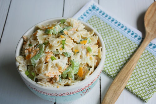 My favorite macaroni salad recipe.: Favorite Macaroni, Salad Ensalada, Salad Recipes, Fresh Salad, Chee Recipes, Summer Salad, Macaroni Salads, Delicious Recipes, Green Onions