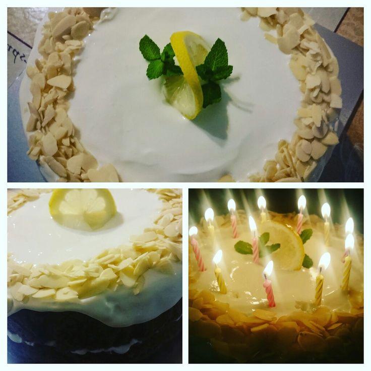 #timeforcake #carrotcake #creative @AnneleenNaidoo