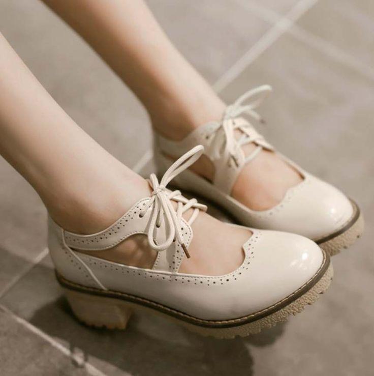 Encontrar Más Sandalias de las mujeres Información acerca de 2016 primavera verano muchacha de la escuela zapatos oxfords estilo británico cordones upo forma del corazón ronda del dedo del pie del bloque de tacones bajos zapatos derby blanco, alta calidad Sandalias de las mujeres de Brand Shopping Center en Aliexpress.com