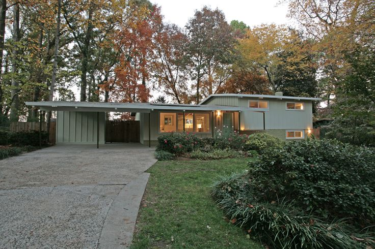 A mid century modern split level seems like most mid century modern homes