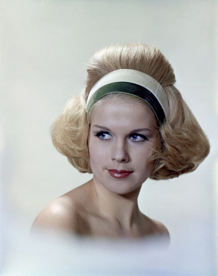 1002 Best Images About Hairstyle 1950s And 1960s On Pinterest 60s Hair 1960s And Grace Coddington