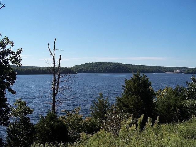 Lake of The Ozarks by Adventurer Dustin Holmes, via Flickr