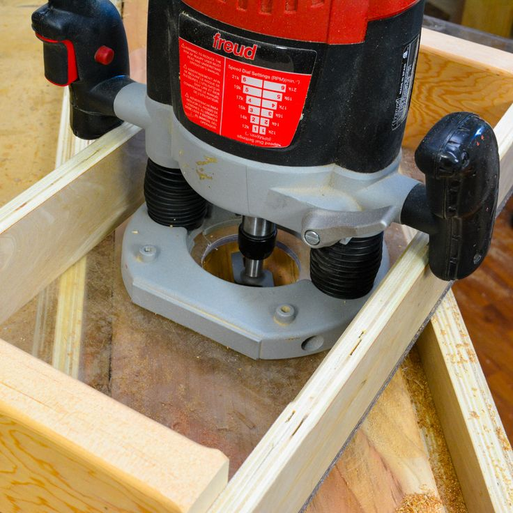 How to make a router planer sled with a clear plastic base.