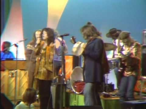 Jefferson Airplane - Somebody to Love (live 1969, with David Crosby and Nicky Hopkins) - YouTube