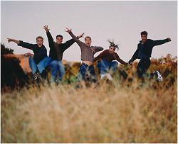 Immagine di nsync, funny, boyband, 90s, fashion, outfit, JC chasez, Justin timberlake, Joey fatone