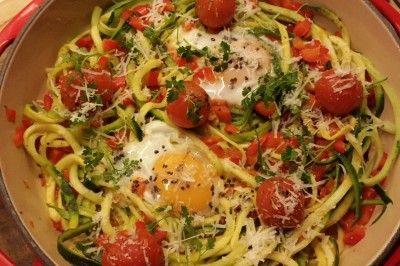 Courgette spaghetti met gebakken eitjes