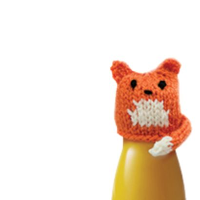 innocent big knit fox cub hat pattern. Such a great idea, this company in the UK asks people to knit little hats. They put those hats on their bottles and for each one sold they make a donation to Age UK. Also they have cute little hat patterns on their website!!