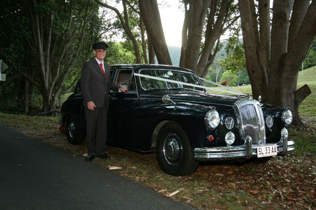 Classic Daimler Majestic Major Limousine www.tictactours.com.au #weddingcarsbrisbane #classiccarhirebrisbaneGallery