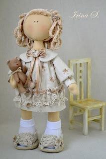 Bambolina di pezza.