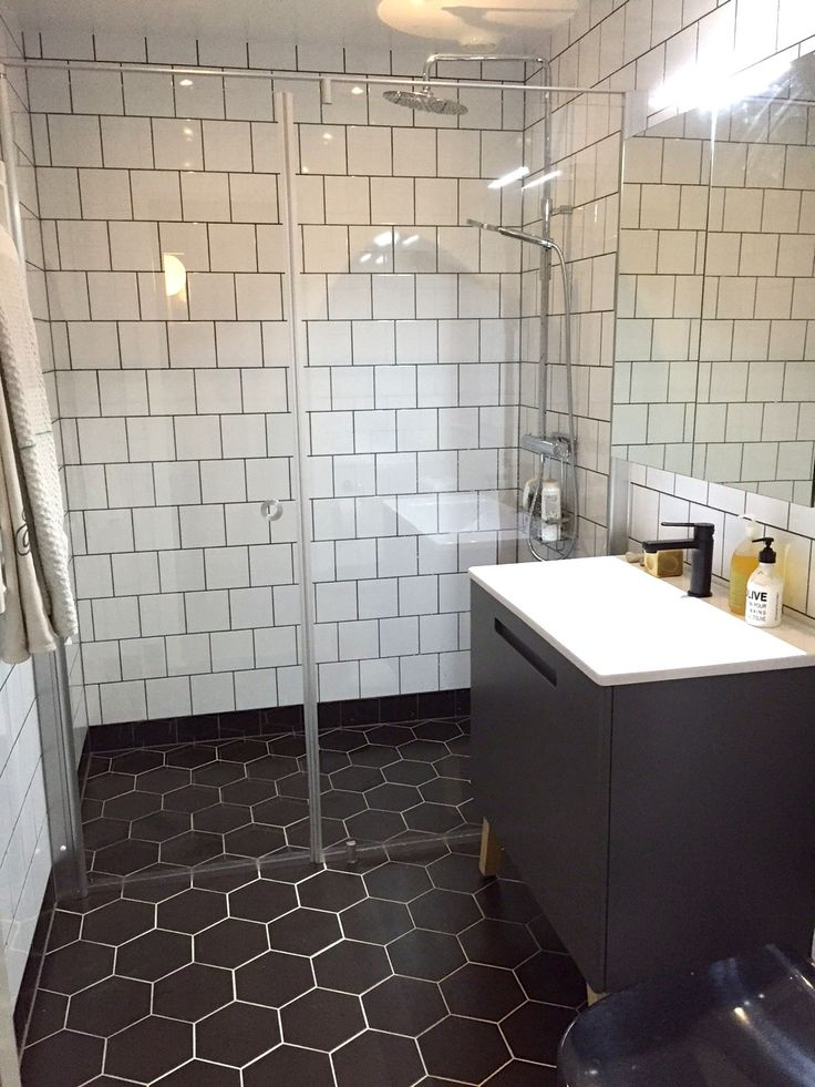 Thanks Lotta Antonsson for the picture of your bathroom: Swoon Soft Vanity Unit & Mirror Cabinet.