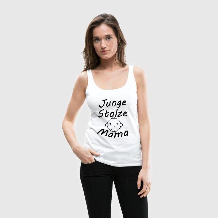 """""""Junge, stolze Mama"""" - Tolle Shirts und geschenke für frischgebackene Mütter. #mama #mami #mutti #mutter #mütter #muttertag #geburt #mutterschaft #eltern #elternteil #baby #kinder #familie #jung #stolz #sprüche #shirts #geschenke"""