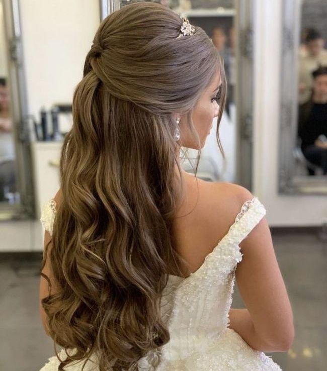 Beautiful ideas for glamorous wedding hair half up half down hairstyles 27 #weddinghairstyles #weddingglamorous #hairstylesideas - empyreandivine