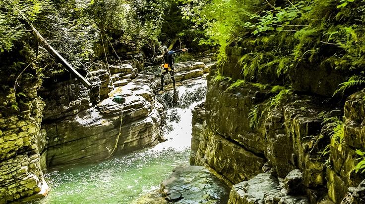 WOW - mais pas d'enfants. Canyoning Gaspésie | Auberge Griffon Aventure, Gaspé Parc Forillon
