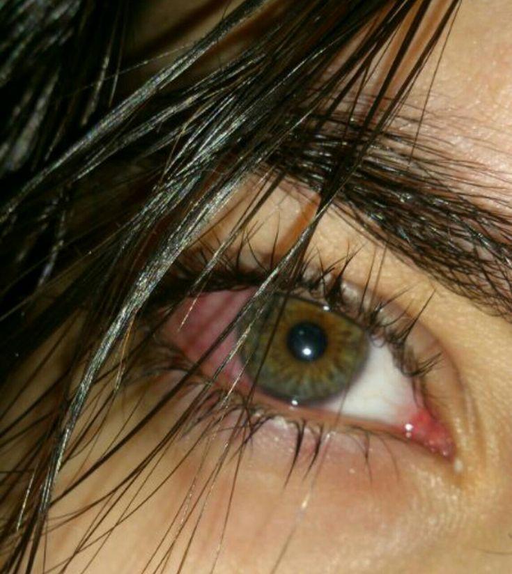 фото карих глаз в слезах жизни таунхаусе