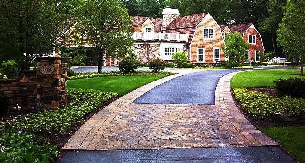 25 best home paving images on pinterest driveways for Driveway apron ideas