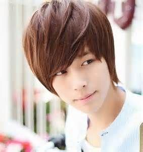 Model rambut pria k-pop korea Oblique Bangs