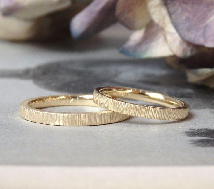 縦線の彫り模様:ゴールドの結婚指輪 [marriage,wedding,ring,bridal,マリッジリング,K18,Gold,オーダーメイド,ith,イズ]
