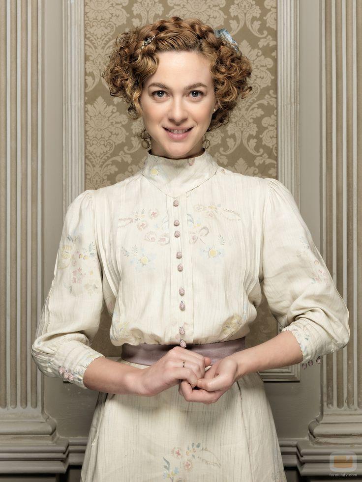 Marta Hazas es Laura en 'Gran Hotel'- the dress , vitage, country