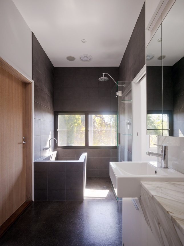 Now that's a cool shower/bath