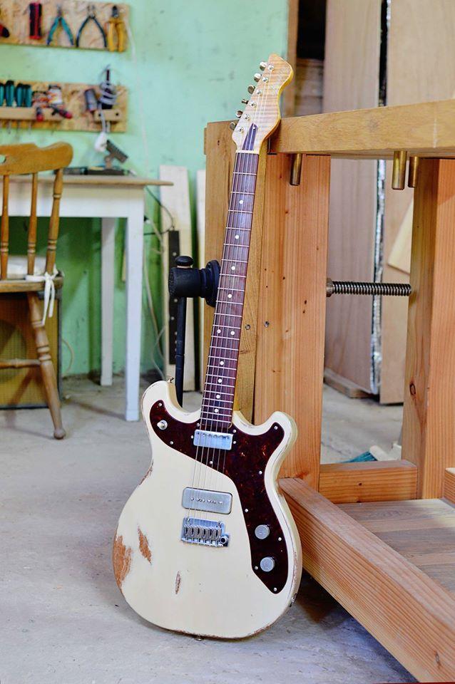 Bunting Guitars
