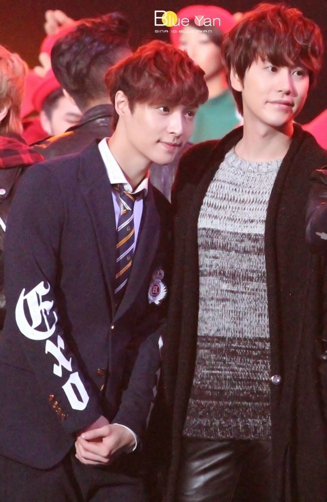 Lay and Kyuhyun - Dragon TV New Year's Eve Show