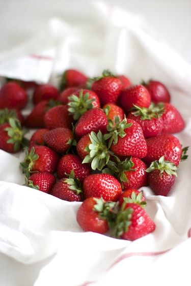 Strawberries are an excellent source of vitamins C and K, as well as fibre, folic acid, manganese and potassium. They also contain flavanoids which makes strawberries bright red. The vibrant red colour of strawberries is due to large amounts of anthocyanidin, which contain powerful antioxidants. They are among the top 20 fruits in antioxidant capacity and can help protect against inflammation, cancer and heart disease, increase HDL (good) cholesterol and lower your blood pressure.