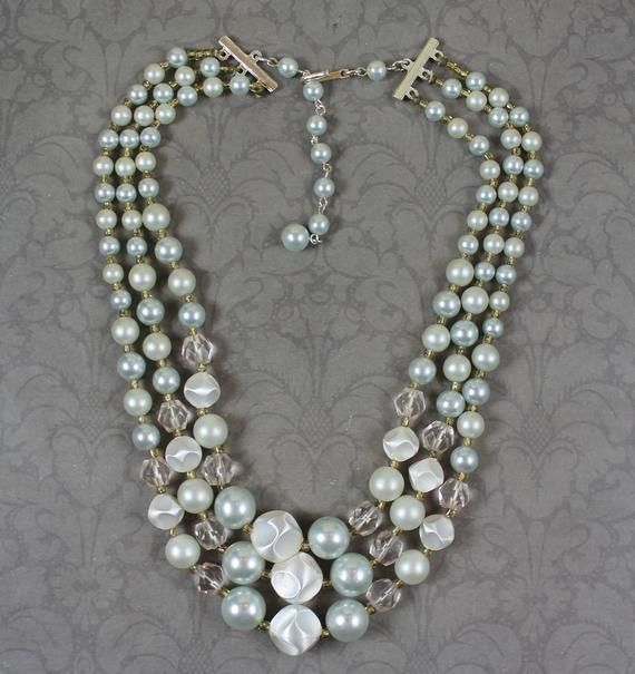 2c4090a84e7fd Vintage 1950s to 1960s Triple Strand Faux Pearl Beaded Japan ...