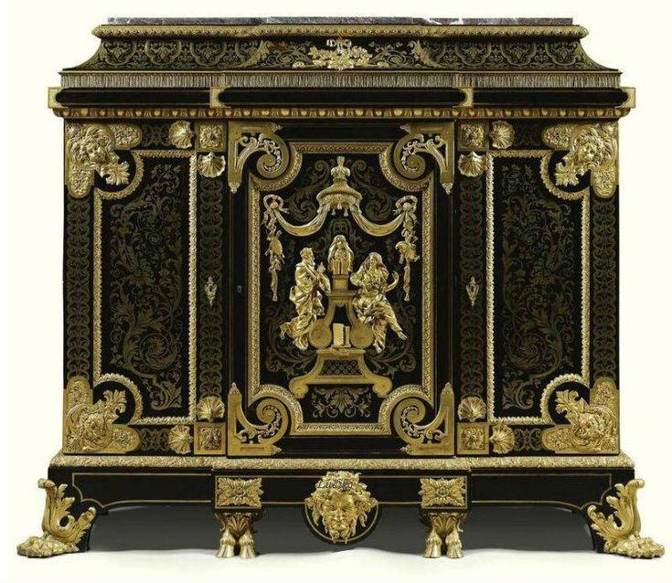 Автор - Ludiko . Это цитата этого сообщения АнтикварноАукционноМебельное  В парадных залах Версаля мебели было немного мебели декоративные свойства начинают выступать на первый план, иногда в ущерб утилитарным качествам. Для предметов этого периода характерна монументальность объемов,…