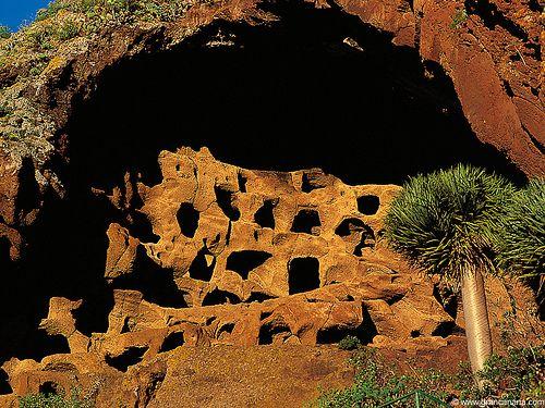 Gran Canaria - Cenobio de Valerón.   Topógrafo. Land Surveyor.  Repin: Topografía BGO Navarro - Estudio de Ingeniería
