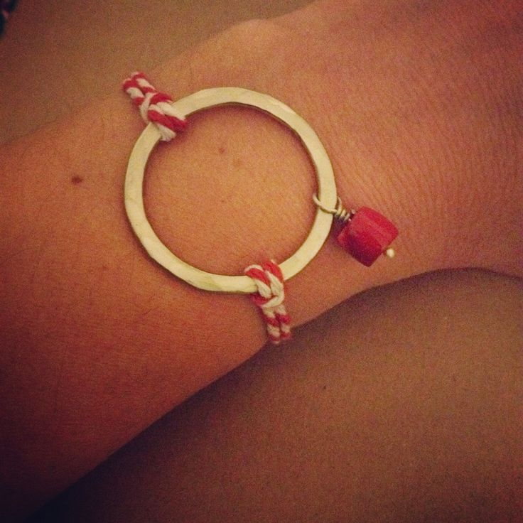 Welcome March bracelet