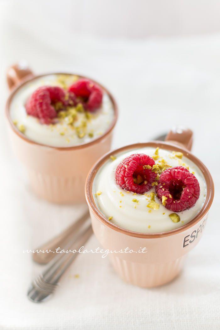Mousse al cioccolato bianco - Ricetta Mousse al cioccolato - Tavolartegusto.it