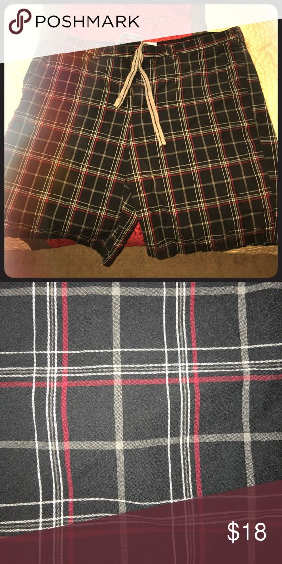 Men's Plaid Shorts Warm up this summer with these great Plaid shorts at a great price! OFFER OFFER OFFER! 626 Blue Shorts Flat Front
