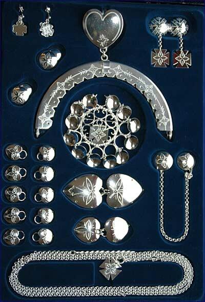 Silver Rogalandsbunad.