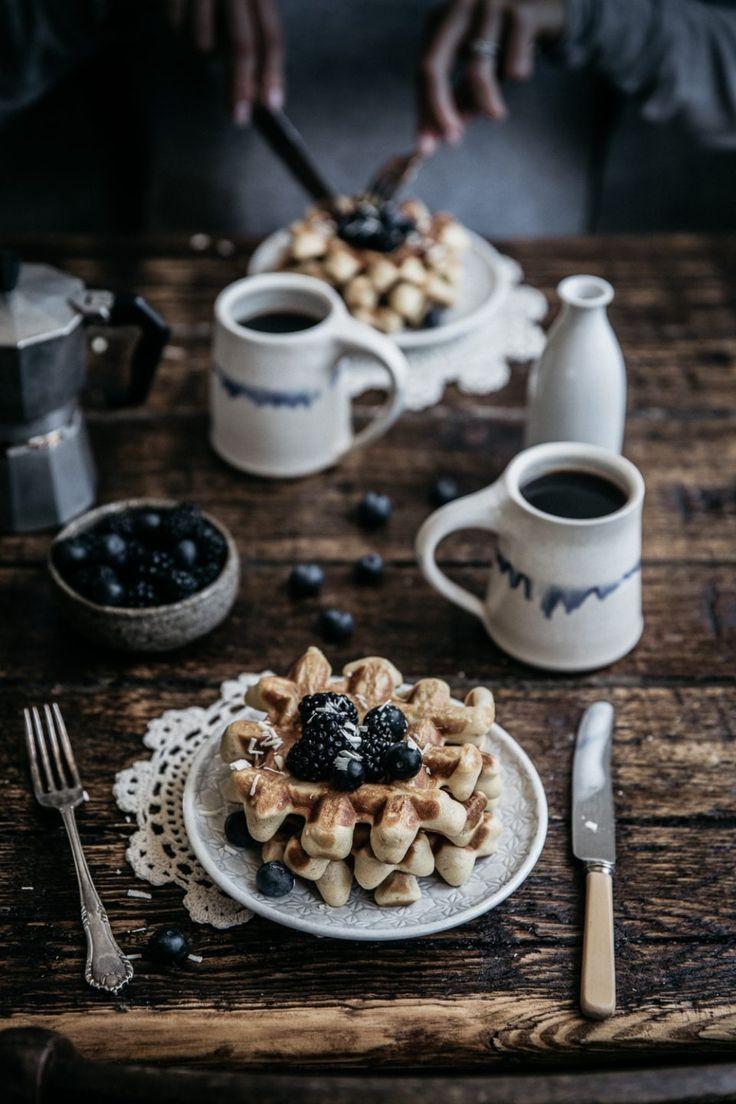 Vanilla Bean Buttermilk Waffles Cafe Essen Lebensmittel Essen Lebensmittelfotografie