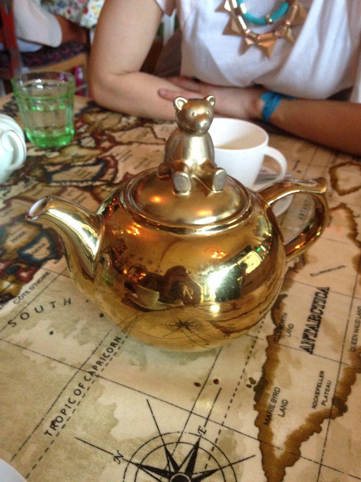 Teddy bear teapot at Foam Cafe, Dublin