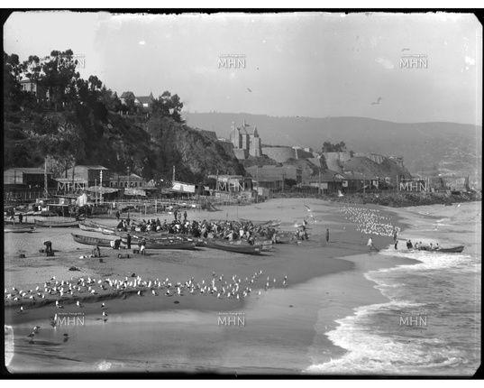 Caleta de Pescadores Portales                                 Fotog.  Einar Altschwager,  Año 1930                         Fuente:  Fotografía Patrimonial M.H.N.