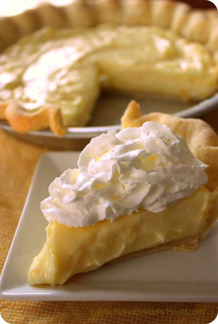 Lemon Sour Cream Pie | SWEET THINGS | Pinterest