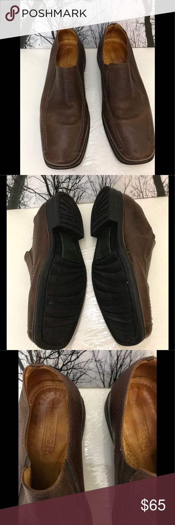 Genuine Leather Men's Shoes Authentic- Genuine Leather Men's Sandro Moscoloni Shoes In preowned Condition, Gently Used. Color:Brown Size:9.5 USA Sandro Moscoloni Shoes Loafers & Slip-Ons