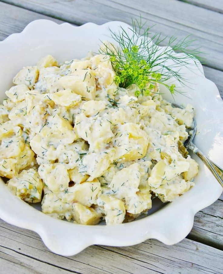 Receta de Ensalada de patata deliciosa, fresca y saludable - Ensalada de patatas cremosa con mayonesa - Ensaladas de verano - Ensalada alemana de patata
