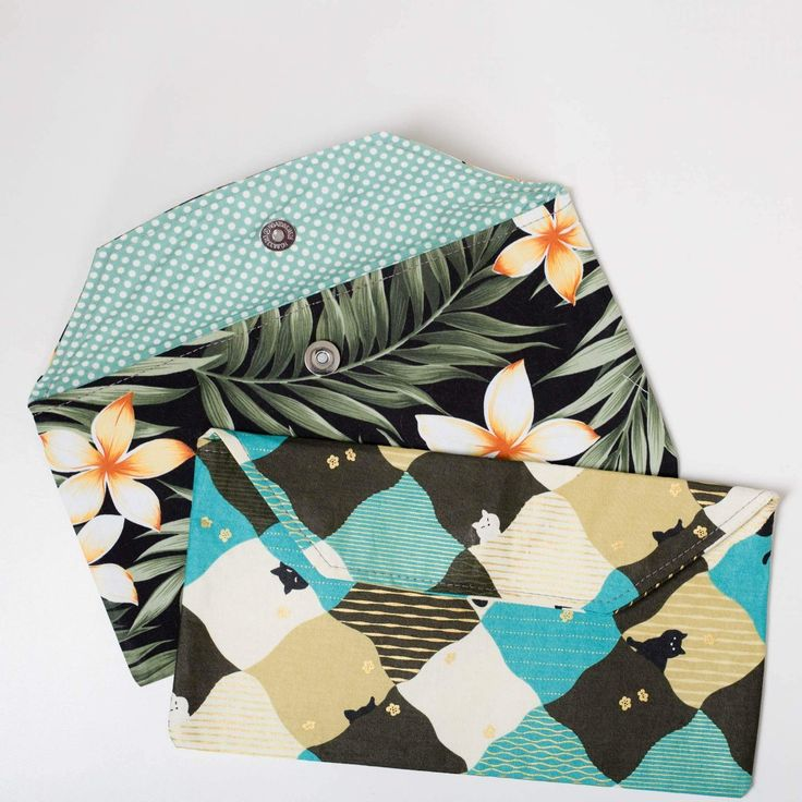Diaper Clutch. Fully lined, magnetic closure