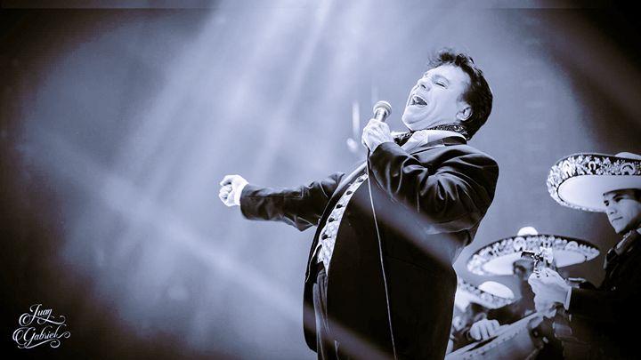 Con una profunda pena nos unimos al luto nacional por la perdida de una de las más importantes figuras contemporáneas de la canción popular.  Descanse en paz Alberto Aguilera Valadez mejor conocido como Juan Gabriel. 1950 - 2016