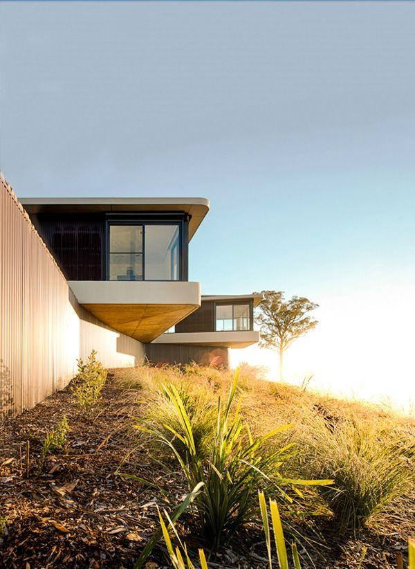 Hill top house armidale nsw property design by luigi rosselli pty ltd architects australian residence armidale home photos of nsw house design