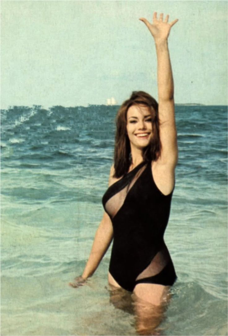 Domino Derval - Claudine Auger - James Bond 007 - Thunderball 1965