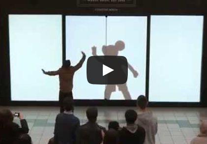 Je n'ai pas résisté au plaisir de partager avec vous cettemagnifique surprise faite aux visiteurs de ce centre commercial qui ont retrouvé pour quelques instants leur âme d'enfants. La magie Disney !:)    http://youtu.be/Hd_2Y29_FLU